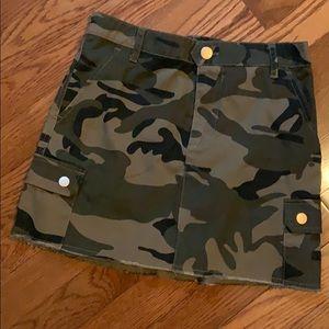 Girls camo print skirt